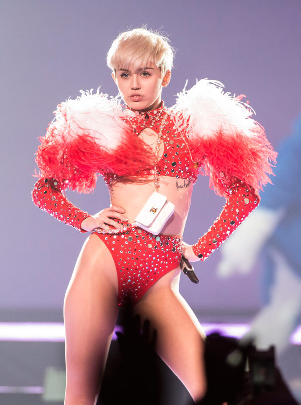 Miley Cyrus Bangerz Tour Outfits